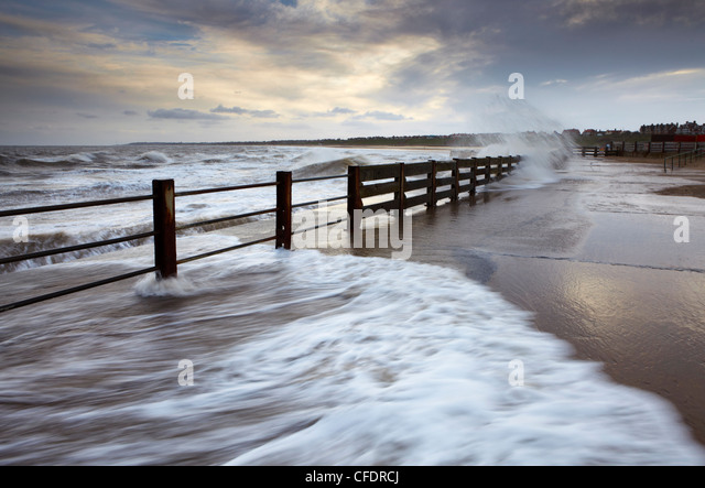 The pier at Gorleston-on-Sea on the east coast of Norfolk on a stormy November afternoon, Norfolk, England, United - Stock Image