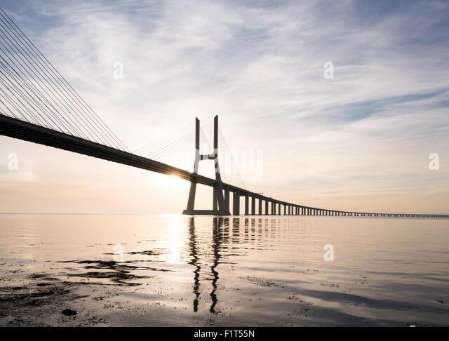 Vasco da Gama Bridge over Rio Tejo (Tagus River) at dawn, Lisbon, Portugal, Europe - Stock-Bilder