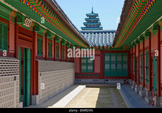 Hamhwadang and Jipgyeongdang buildings in Gyeongbokgung Palace Seoul South Korea. JMH3930 - Stock Image