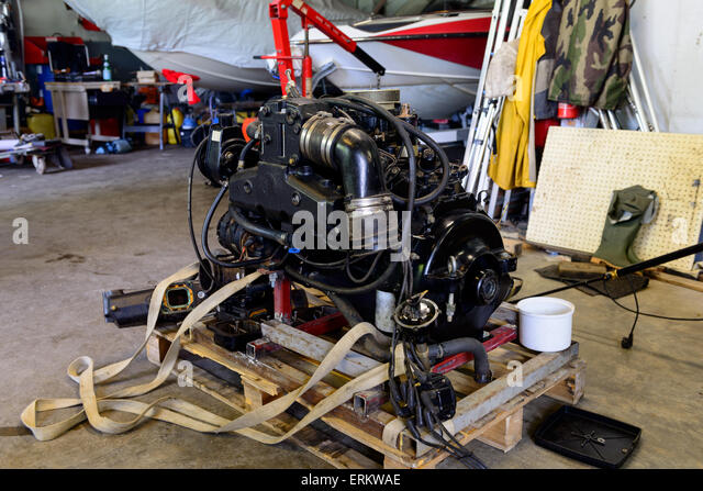 Restore shop stock photos restore shop stock images alamy for Boat motor repair shops