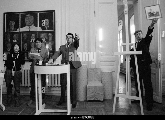 Honourable artist of the Russian SFSR Alexander Shirvindt holds the paintings auction organized by the Soviet Culture - Stock Image
