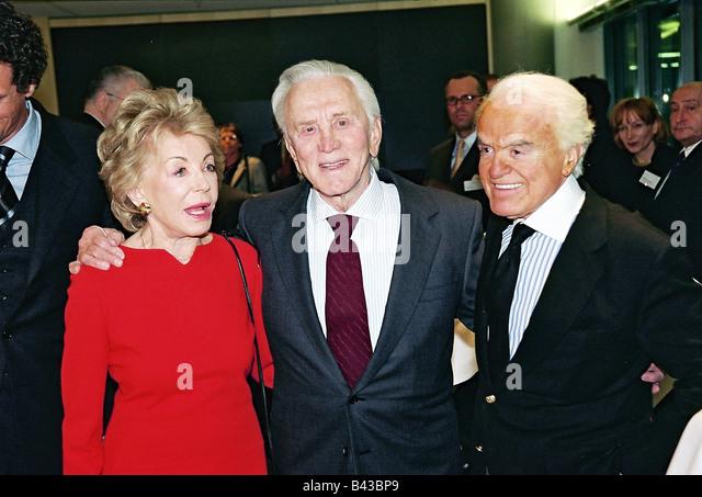 Kirk Douglas And Anne Buydens Stock Photos & Kirk Douglas ...