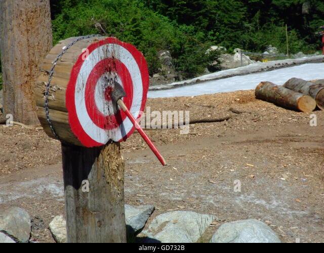 axe-throwing-bullseye-gd732b.jpg