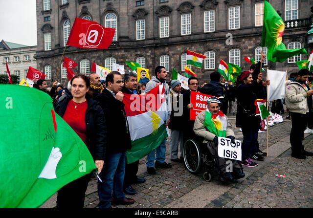 Copenhagen, Denmark. 24th Oct, 2014. Kurds in solidarity rally at the parliament square in Copenhagen. They demand - Stock Image