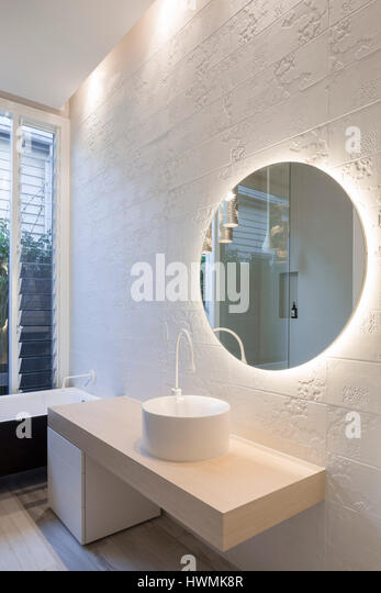 Detail of main bathroom with mixed lighting. Hawthorne House, Melbourne, Australia. Architect: Annie Lai Architects, - Stock-Bilder