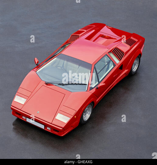 1990 Lamborghini Countach QV Quattrovalvole 5 2 litre V12 OHC engine develpoing 425bhp and with a top speed of 183mph - Stock Image