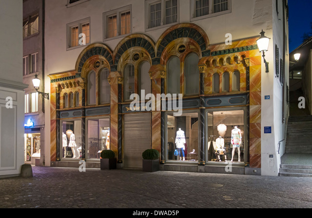 Switzerland Zurich fashion shop in old city center Zum Thor 1593 - Stock Image