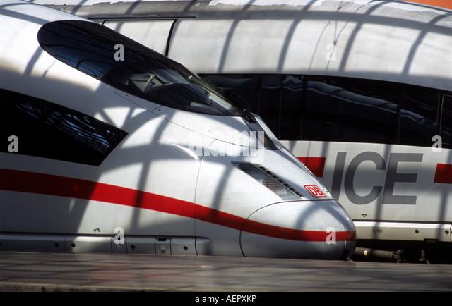 German Railways Intercity express passenger trains, Cologne Hauptbahnholf, North Rhine Westphalia, Germany. - Stock-Bilder