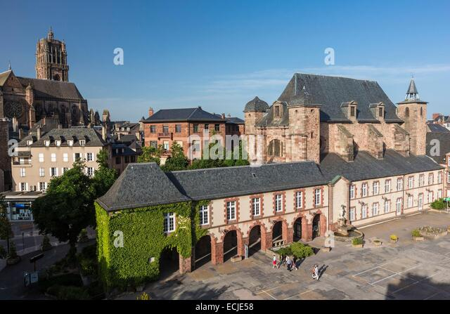 France, Aveyron, Rodez, place Foch, the chapel of the Jesuits and of the former royal college dating from the 17th - Stock Image