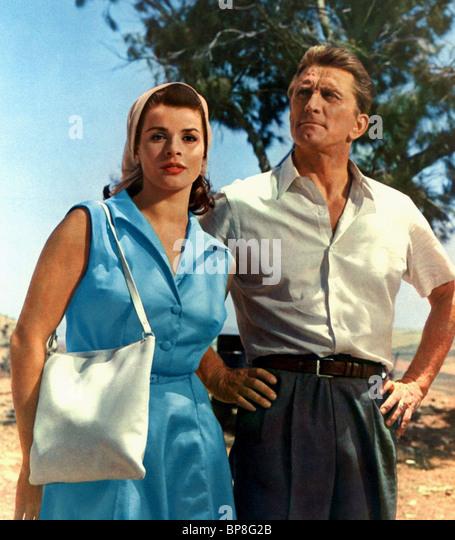 SENTA BERGER & KIRK DOUGLAS CAST A GIANT SHADOW (1966) - Stock Image