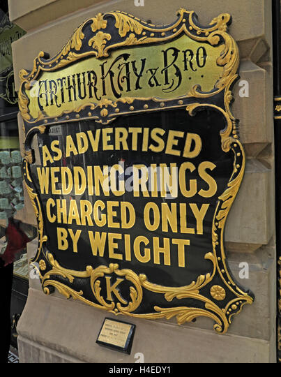 Arthur Kay Jewellers,As advertised,Wedding Rings Charged Only By Weight notice, Market St,Manchester, England, UK - Stock Image