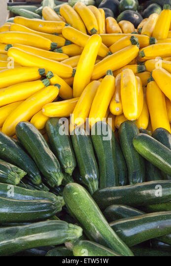 Zucchini Squash for sale at the Grand Army Plaza Farmers Market in Brooklyn, NY. - Stock Image