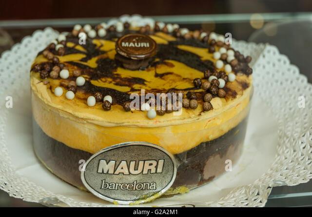 Pastisseria Mauri, Famous Pastry Shop since 1929, Shop Window, Barcelona, Spain - Stock Image