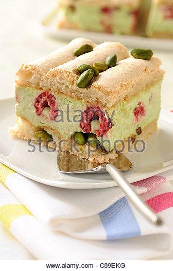 raspberry and pistachio Bavarian - Stock-Bilder