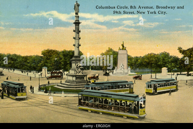 Columbus Circle, 8th Avenue, Broadway and 59th Street,  New York. Trams going around the monument to Columbus. - Stock-Bilder