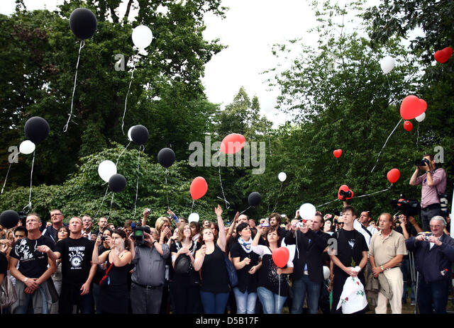Luftballons stock photos luftballons stock images alamy for Luftballons duisburg