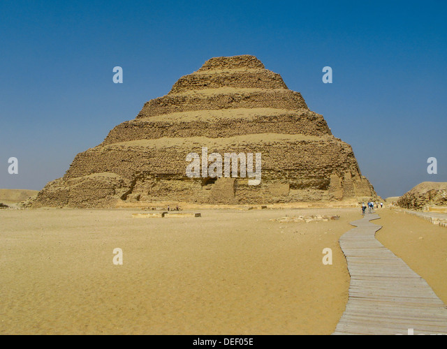 how to build a pyramid steps