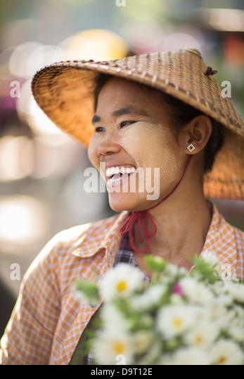 the flower market on a roadside near Mandalay, Myanmar (Burma) - Stock-Bilder