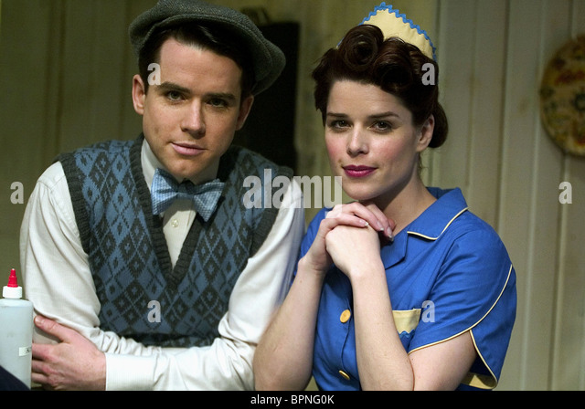 CHRISTIAN CAMPBELL & NEVE CAMPBELL REEFER MADNESS (2005) - Stock Image
