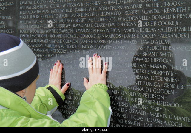 Washington DC National Mall and Memorial Parks Vietnam Veterans Memorial Wall Vietnam War monument architect Maya - Stock Image