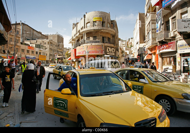 Traffic scene in downtown Amman, Jordan. - Stock Image