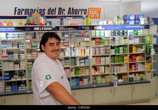 Argentina Buenos Aires Avenida de Mayo Farmacia del Dr. Ahorro discount pharmacy drug store medication medicine - Stock Image