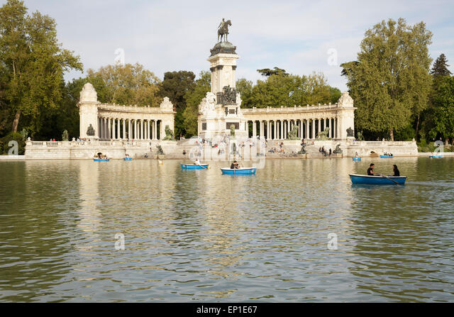 Buen Retiro Park with Boating Lake and Monument to Alfonso XII, Madrid, Spain - Stock Image