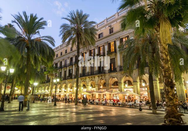 Placa Reial, Piaza Real, Plaza Reial, Royal Plaza, Restaurants, Barri Gotic, Barcelona, Catalonia, Spain - Stock Image