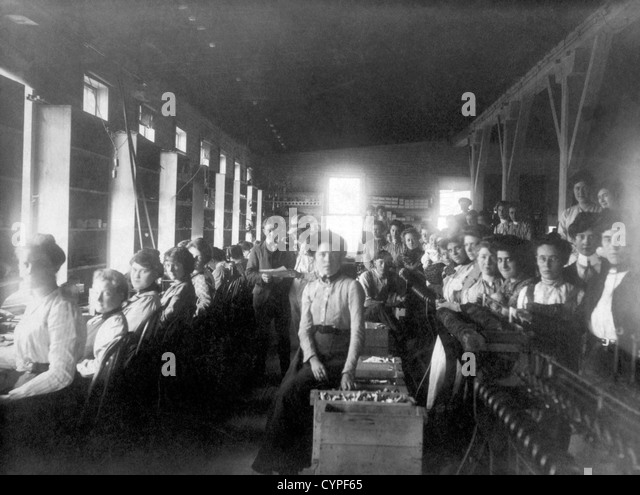 Women Factory Workers, Circa 1910 - Stock-Bilder
