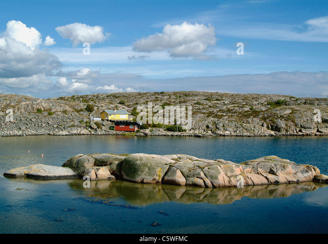 Sweden, Bohuslaen, View of rocky coastline - Stock Image
