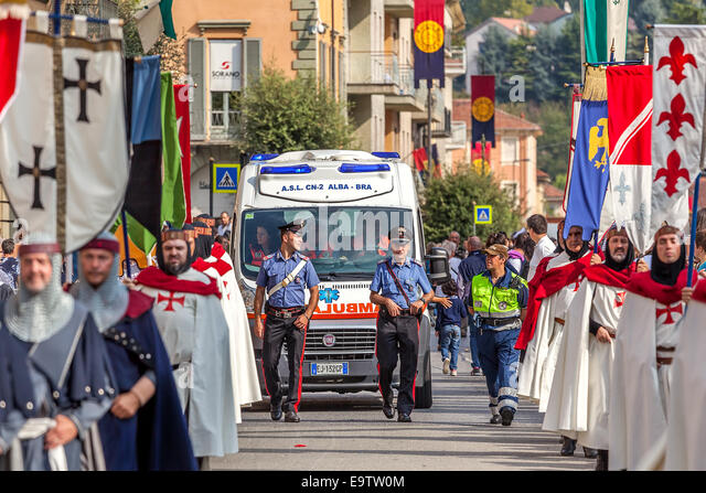 Medieval parade in Alba, Italy. - Stock Image