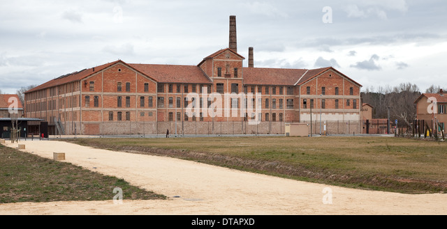 Deportation stock photos deportation stock images alamy - Castorama aix les milles ...