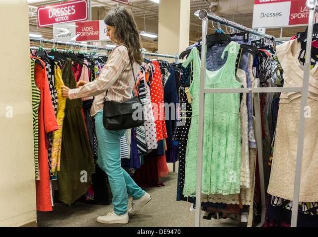 Racks Of Clothes United States Stock Photos Amp Racks Of