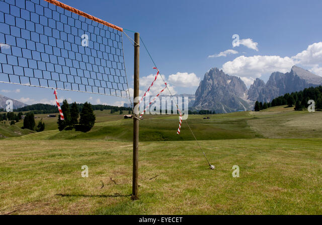 Netball net landscape on the Siusi plateau, above the South Tyrolean town of Ortisei-Sankt Ulrich in the Dolomites, - Stock Image