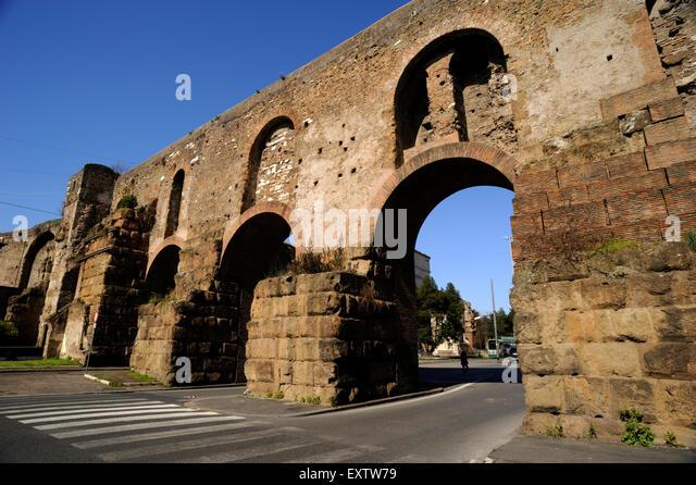Esquilino stock photos esquilino stock images alamy - Rome porta maggiore ...