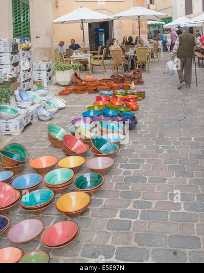 Souvenir spain stock photos souvenir spain stock images - Artesania beas granada ...