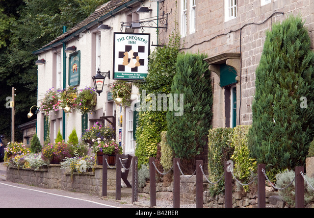 'The Chequers Inn' below 'Froggatt Edge' on the A625  in Derbyshire 'Great Britain' - Stock Image