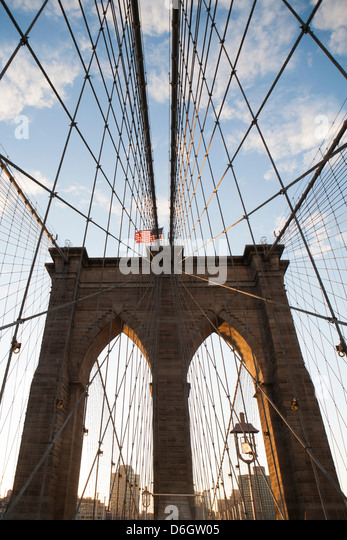 Brooklyn Bridge under blue sky - Stock Image