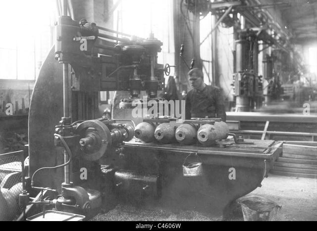 Man in the armaments industry - Stock-Bilder