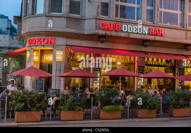 Cafe Odeon at Bellvue, Terasse, people - Stock Image