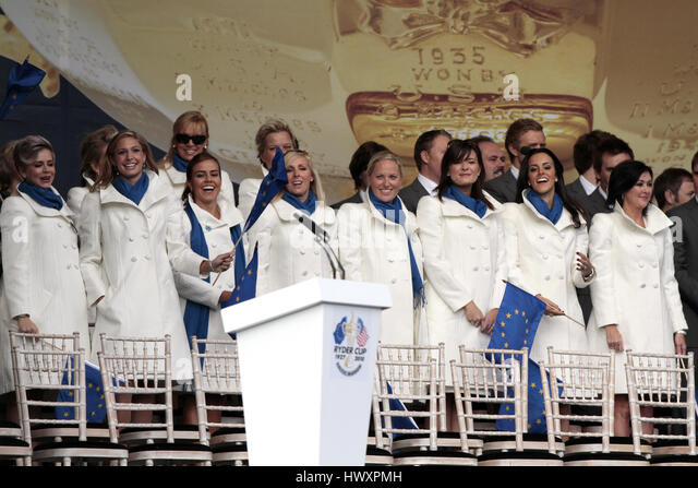 EUROPEAN PLAYERS WIVES OPENING CEREMONY 2010 OPENING CEREMONY 2010 CELTIC MANOR RESORT CITY OF NEWPORT WALES 30 - Stock-Bilder