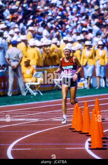 Ingrid Kristiansen (NOR) competing at the first women's marathon at the 1984 Olympic Summer Games - Stock-Bilder