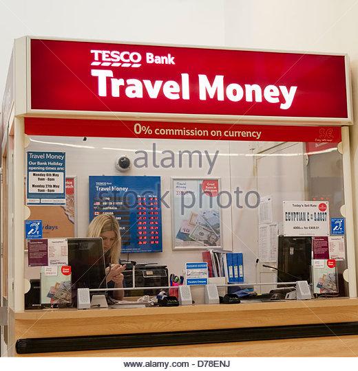 Tesco bank travel money kiosk, UK. - Stock-Bilder