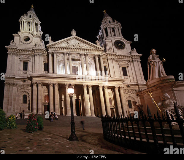 St Pauls Cathedral London, main entrance, late in the night - Stock Image
