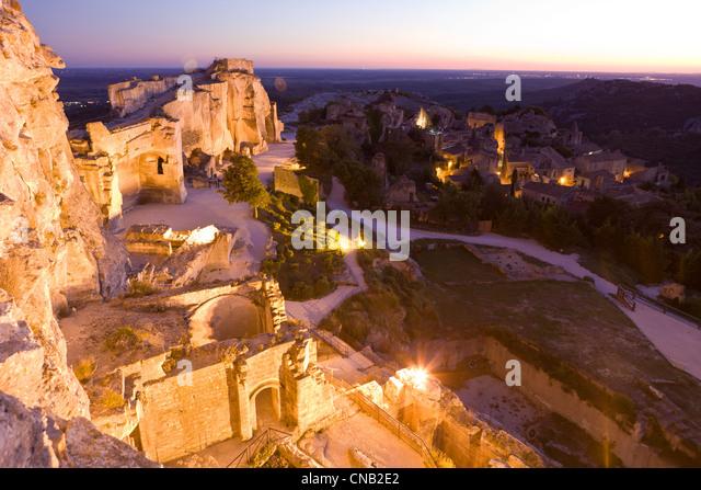 The illuminated castle of baux de provence stock photos for Les bouche du rhone