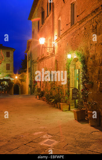 The streets of Pienza, Tuscany, Italy - Stock Image