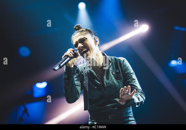 Torino, Italy. 01st Oct, 2017. Torino, 2017, Sep 30th: The italian singer/song-writer Elisa performing live on stage - Stock Image