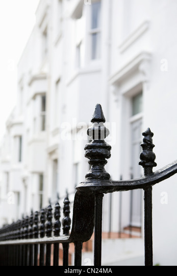 Railings outside terraced houses - Stock-Bilder