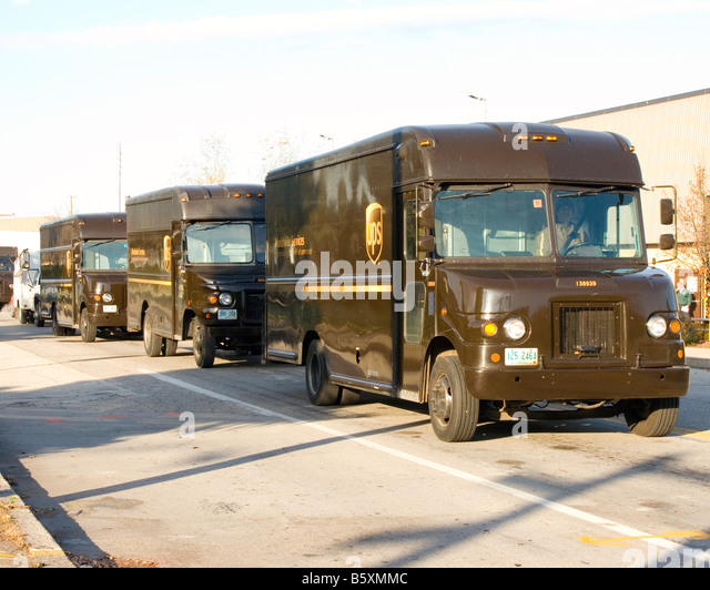 ups truck package stock photos ups truck package stock images alamy. Black Bedroom Furniture Sets. Home Design Ideas