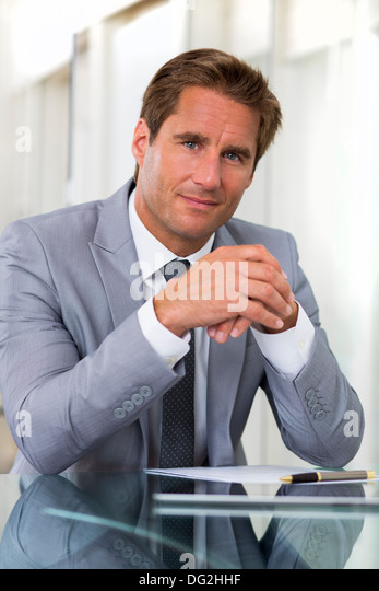 man indoor winner office contract - Stock-Bilder